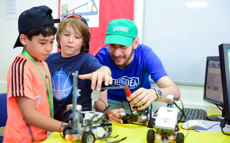 BIG IDEA Israel lego robotics